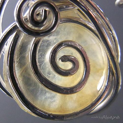 画像4: 渦巻きの耳飾り モスコバイト